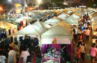 Ramkhamhaeng Night Market