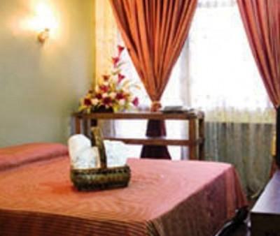 Nuriz Inn