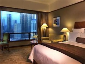 Superior room with twin towers view