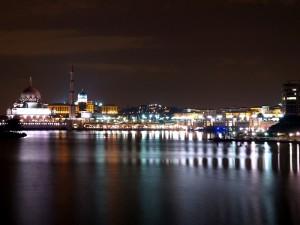 Cruise Tasik Putrajaya night view