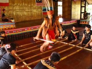 Kampung Sumangkap Gong Factory cultural performance