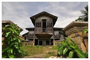 Perak Long Roofed House