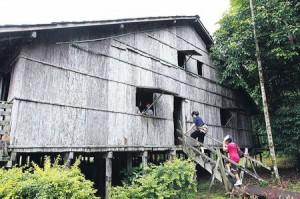 Rumah Panjang Sarawak