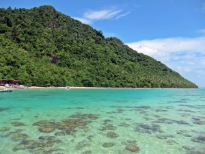 Crystal clear water in Pulau Bohey Dulang