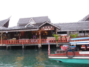 Dragon Inn Semporna jetty