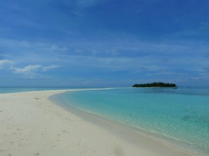 Pulau Mataking beach