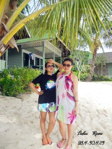 Pulau Rawa tourists ready to get wet