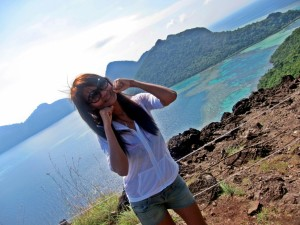 Photo shooting at Pulau Bohey Dulang hill top