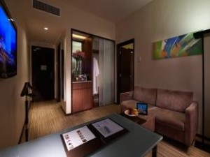 Eastin Deluxe Living Room