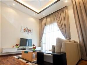 G Floor Living Room