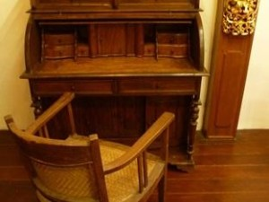 In-suite Antique Study Desk