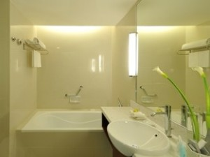 Premier Deluxe Bathroom