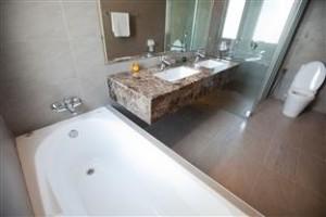 S Floor Double Bathroom