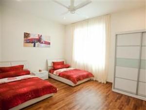 S Floor Triple Room