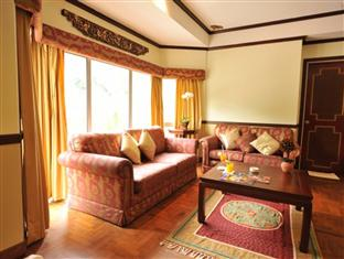 Shah's Village Hotel