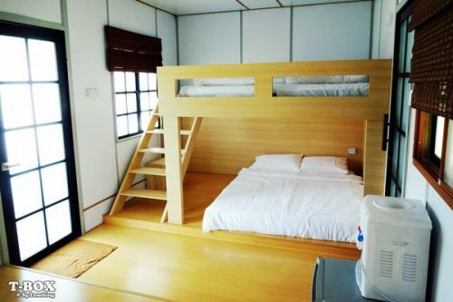 T Box Japanese Cabin