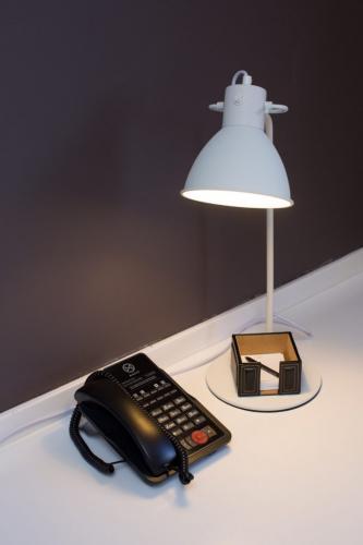 Deluxe-Plus-Lamp-683x1024