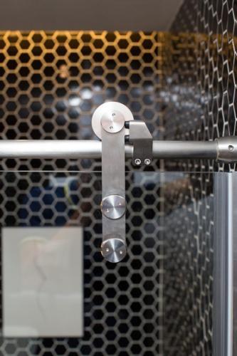 Deluxe-Roller-Door-683x1024